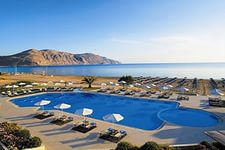 Pilot Beach Resort 5*